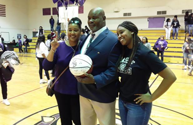 Congratulations to Marlin Bulldogs Boys Head Basketball Coach, Devlon Noble Sr., on his 100th career win as a Bulldog.